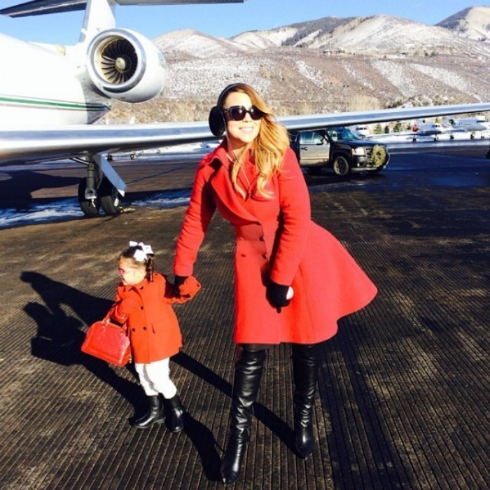 "<h3><a href=""/tags/0/mariah-carey/"" target=""_blank"">Mariah Carey</a> and Monroe Cannon</h3><p>Mariah's five-year-old daughter is already a diva in the making! The duo have been spotted in matching pyjamas and mermaid costumes, but these red coats are mother-daughter fashion goals.</p><p>Photo: © Instagram</p>"