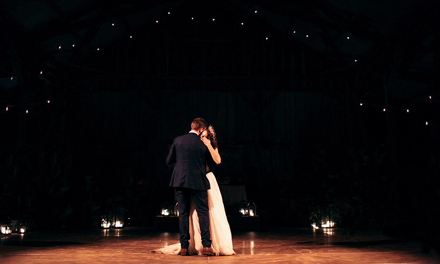 Troian bellisario brasil pessoal the couple shared their first dance to ryan adams wonderwall patrick tells fandeluxe