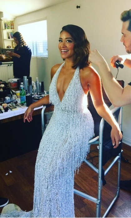 Gina Rodriguez looked stunning as she got some final touches done before hitting the red carpet. 