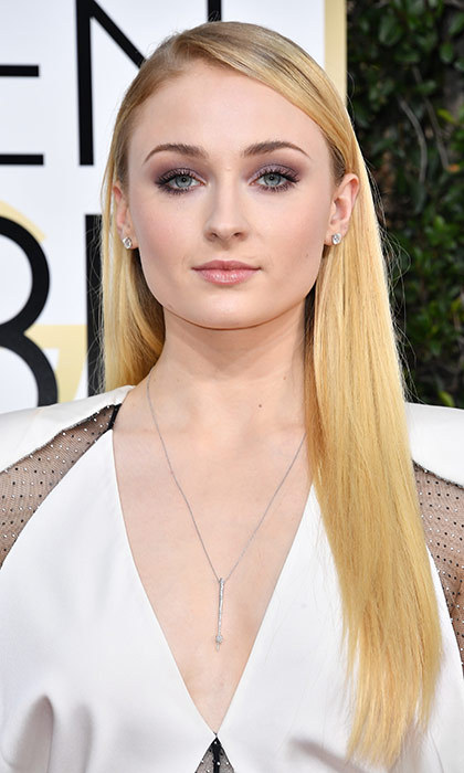 <h3>Sophie Turner</h3><p>We always forget that Sophie isn't a natural redhead a la Sansa Stark, because her glossy blonde locks suit her so much. Her smoky shadow makes her gorgeous grey eyes pop, too.</p><p>Photo: &copy; Getty Images</p>