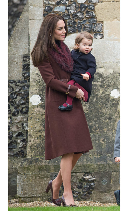 The Duchess of Cambridge stepped out for Christmas church service with her family in Bucklebury wearing a chic chestnut brown coat by Hobbs, which she paired with a fur collar stole. Kate accessorized her holiday look wth her Tod's pumps.