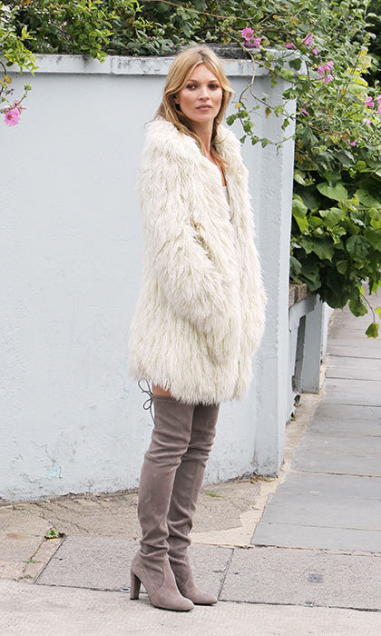 <h3>6. A statement coat makes an outfit</h3><p>Like leopard print, furry coats (in all shapes and colours) are another wardrobe staple for this it-girl. When paired with otherwise basic staples, it takes the look to the next level.</p><p>Photo: &copy; Shutterstock</p>