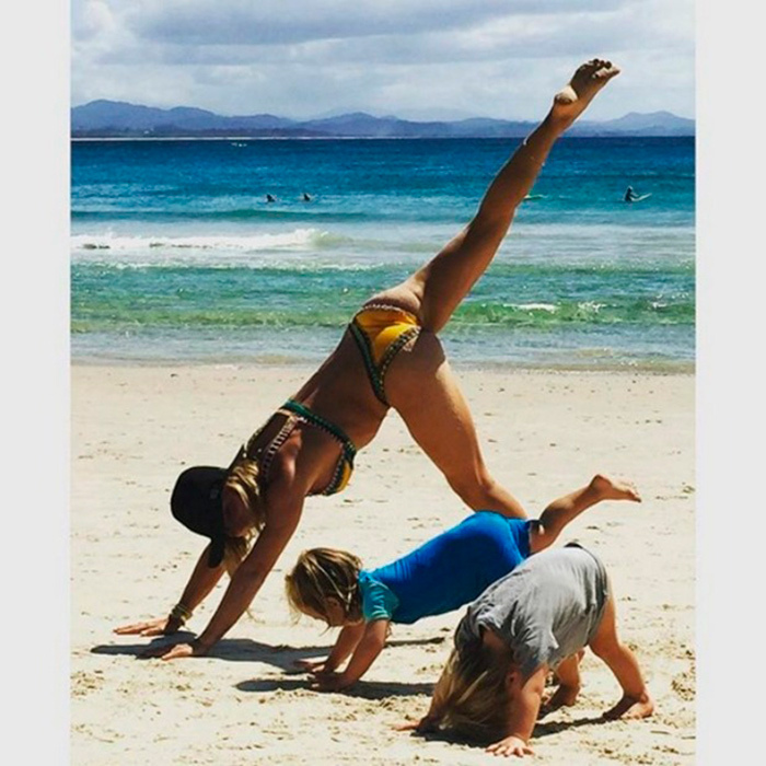 "<p>Downward dog! Spanish model and actress <a href=""/tags/0/elsa-pataky/"" target=""_blank"">Elsa Pataky</a> taught yoga moves, beach style, to her and Chris Hemsworth's twin sons, Tristan and Sasha.</p><p>Photo: &copy; Instagram/elsapatakyconfidential</p>"