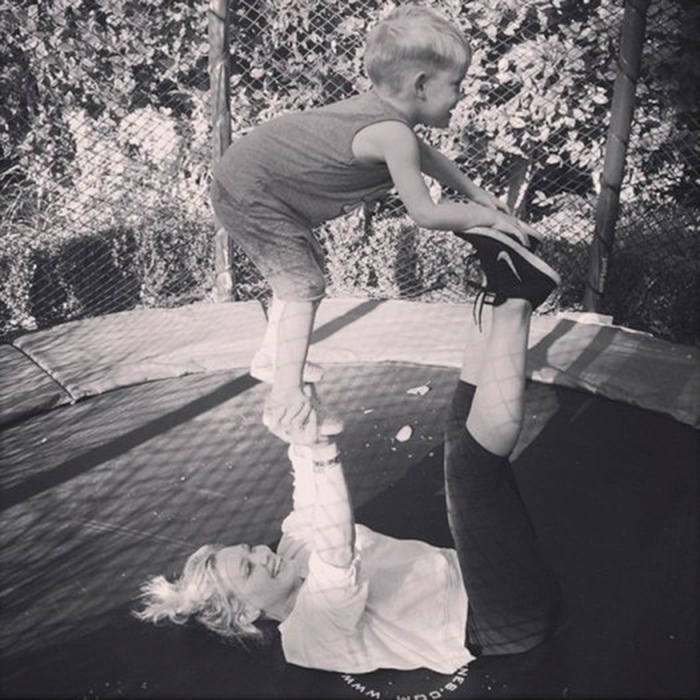 "<p><a href=""/tags/hillary-duff/"" target=""_blank"">Hilary Duff</a> stayed fit by doing some backyard mommy yoga with her son.</p><p>Photo: &copy; Instagram/@hilaryduff</a>"