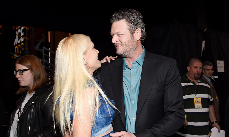 <strong>January 18:</strong>: Gwen Stefani and Blake Shelton coupled up at the People's Choice Awards.