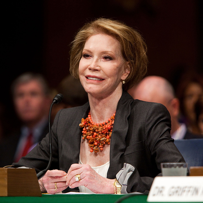 Mary was an active supporter of the Juvenile Diabetes Research Foundation. Here, in 2009, she can be seen urging the U.S. Senate to fund more research into Type 1 Diabetes.
