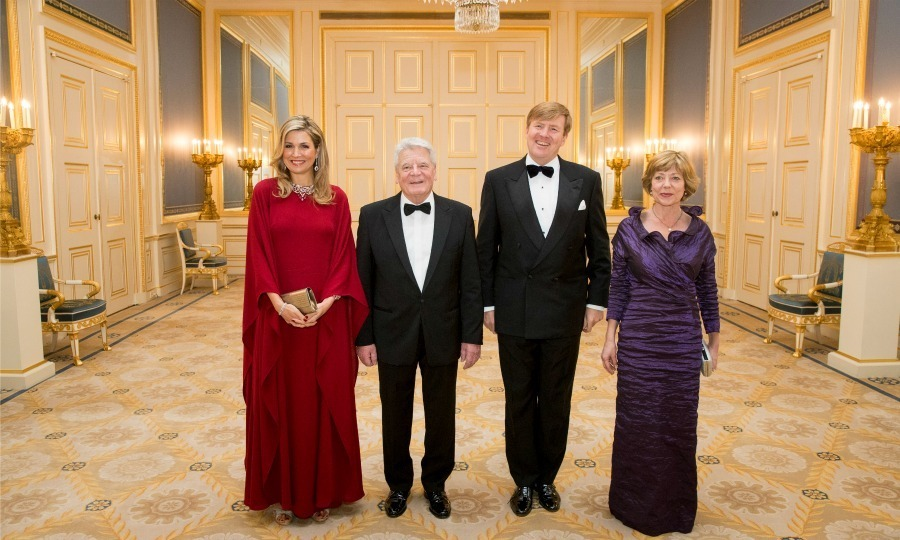 Queen Máxima was a lady in red during the dinner in honor of Germany's President Joachim Gauck.