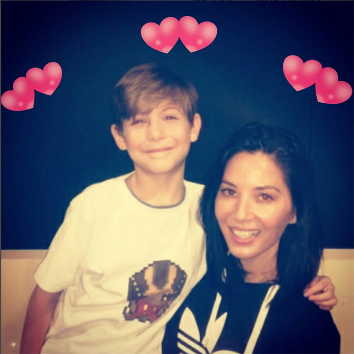"""Meet my new valentine @OliviaMunn! Sorry #AaronRodgers!  #ThePredator #HappyValentinesDay!!!,"" teased the actor on Instagram. 
