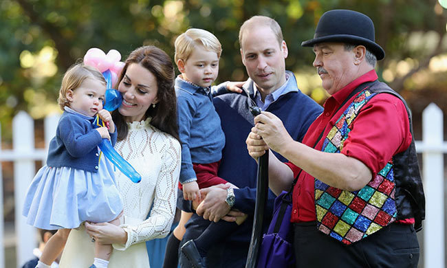 In what became one of the most memorable moments from the royal tour, the family of four attended a children's party at Government House in Victoria. 