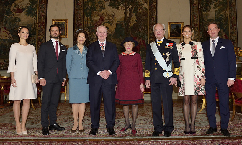 Swedish royal photo-op (L to R): Princess Sofia and husband Prince Carl Philip, Queen Silvia, Governor General David Johnston and wife Sharon, King Carl XVI Gustaf, Princess Madeleine and husband Christopher O'Neill. 