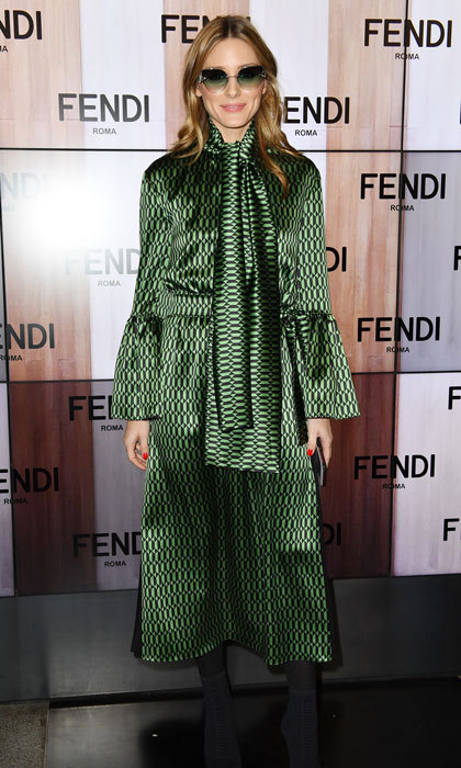Olivia Palermo looked gorgeous in green arriving to the Fendi fashion show.