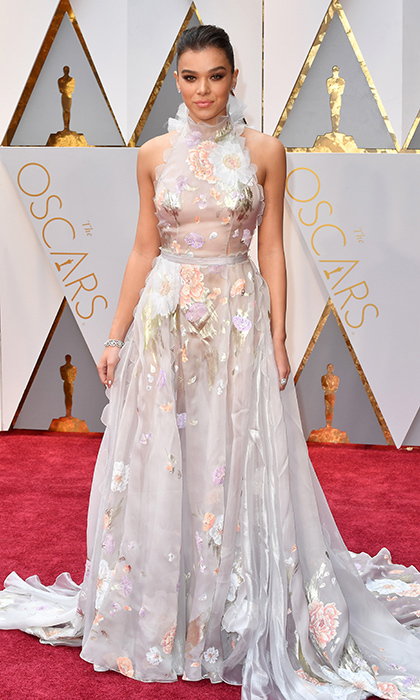 <h3>Hailee Steinfeld in Ralph & Russo</h3><p>Photo: © Getty Images</p>