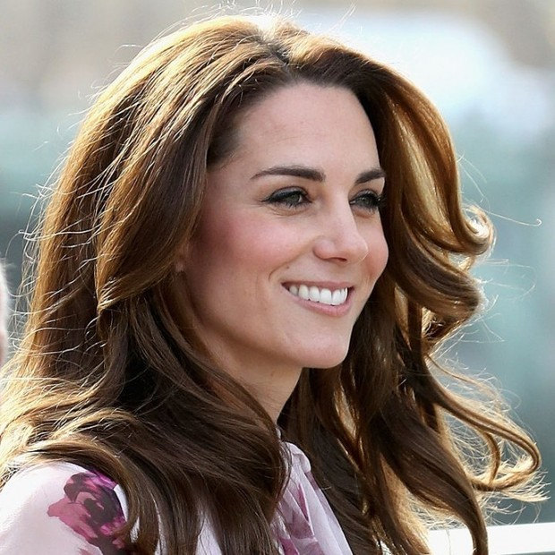 Kate Middleton sees Sabrina for eyebrow shaping.