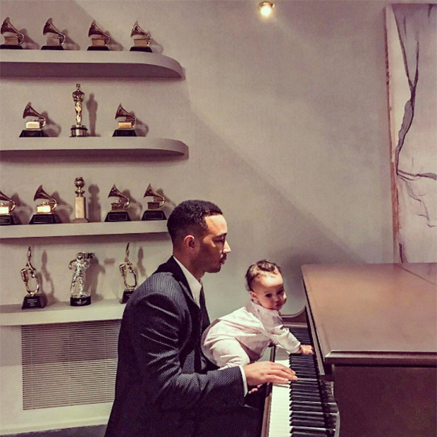 "Luna helped her dad prepare for his big performance at the 2017 Academy Awards. John performed the nominated song ""City of Stars"" from his film <em>La La Land.</em>  