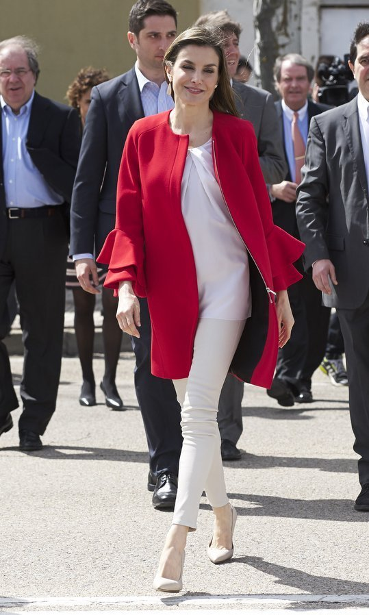 Queen Letizia breezed into the '2017 Princess of Girona Foundation' awards ceremony in all white topped with a cute red Zara coat in Soria, Spain on March 30. 