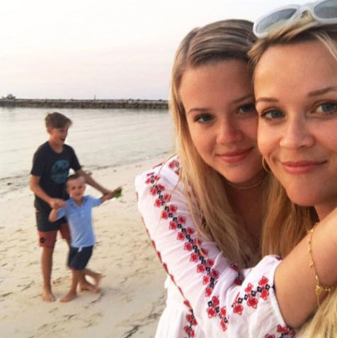 Reese Witherspoon with her lookalike daughter Ava and sons Deacon and Tennessee during their family holiday.