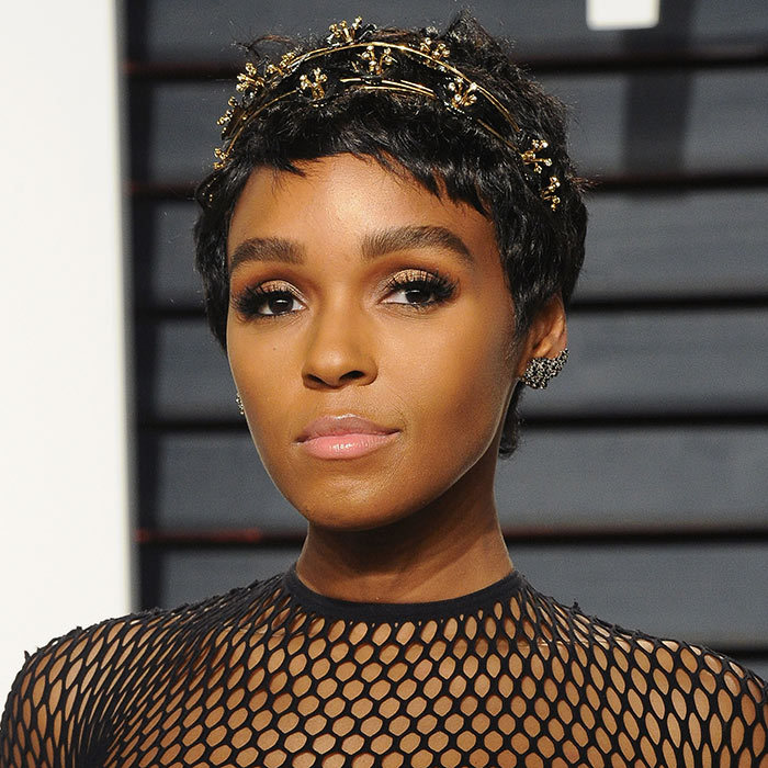 <h2><strong>Short and sweet</strong></h2><p>Short hair? No problem. Hairstylist Nikki Nelms reveals it was Janelle's choice to make the chop the night before awards season for a seriously jaw-dropping look. Rock your short locks au natural, or play around with embellished accessories to feel (and look) like a queen.</p><p>Photo: © Getty Images</p>