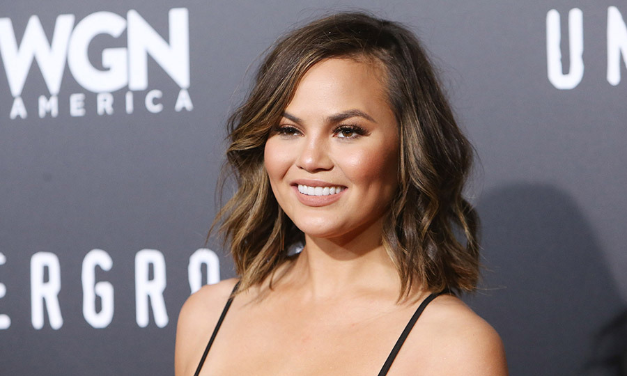 news chrissy teigen pays womans entire beauty school tuition excited fulfill your dream