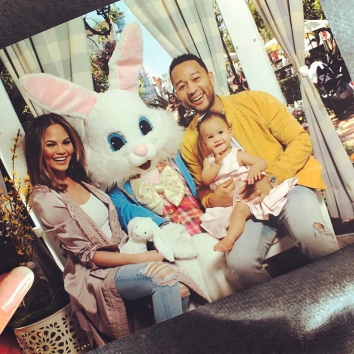 <h4>Luna meets the Easter bunny</h4>