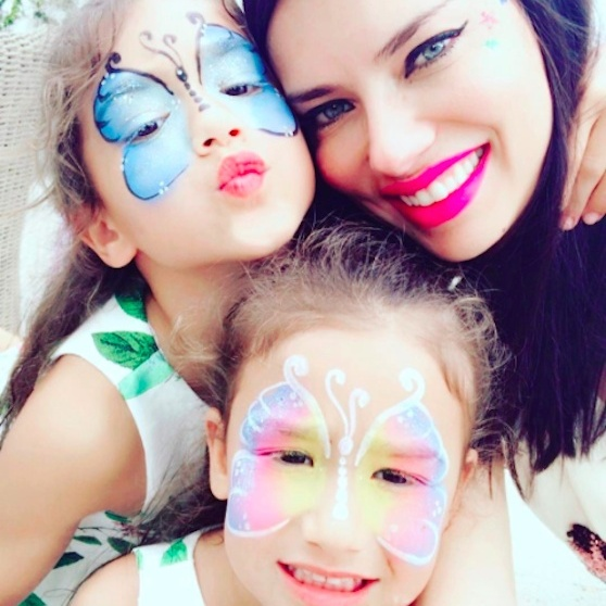 <h4>Easter face time</h4>