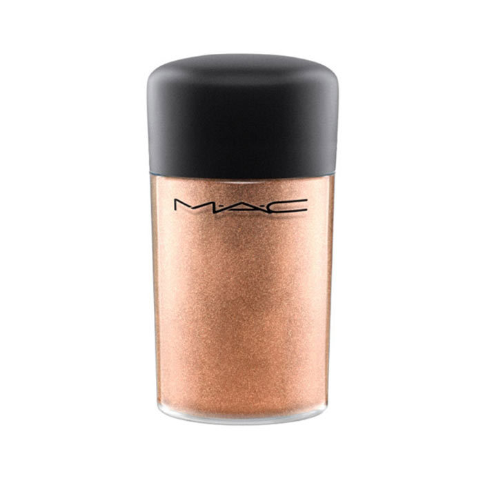 <p>M.A.C Pigment in Copper Sparkle, $26, <em>maccosmetics.ca</em></p>