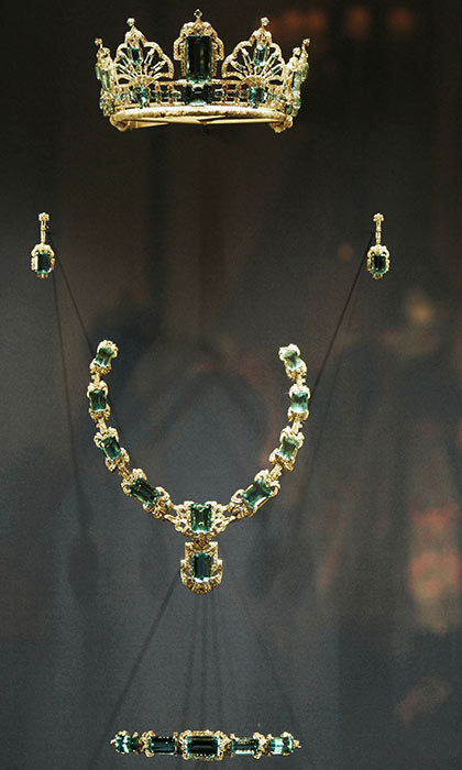 <h3>A FEW AQUAMARINES</h3><p>For her coronation in 1953, Queen Elizabeth II received this diamond necklace featuring aquamarines and matching earrings from the president and the people of Brazil. The Queen later commissioned a tiara to match the dazzling set. </p><p>Photo: © Getty Images</p>