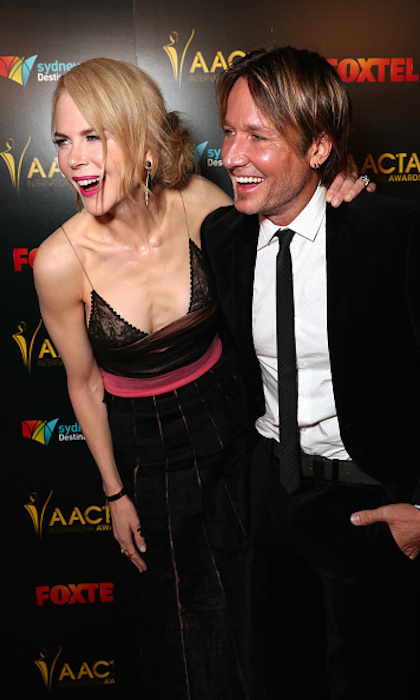 The couple that laughs together stays together! The lovebirds were all smiles at the 6th AACTA International Awards in Los Angeles in January 2017. 