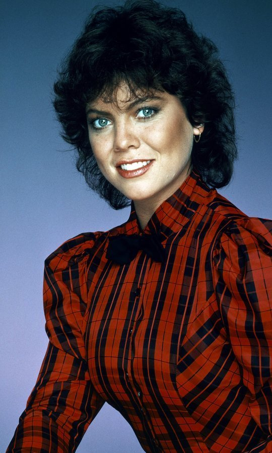 "<h4><strong>Erin Moran - April 22</strong></h4><p>Best known for her role as Joanie Cunningham on <em>Happy Days</em> and the spinoff <em>Joanie Loves Chachi</em> co-starring Scott Baio, Erin Moran died at the age of 56 after being found ""unresponsive"" at her Indiana home.</p><p>Director Ron Howard, who played big brother Richie, tweeted a message remembering the actress, writing: ""Such sad sad news. RIP Erin. I'll always choose to remember you on our show making scenes better, getting laughs and lighting up tv screens.""</p><p>Henry Winkler, the actor behind Fonzie on <em>Happy Days</em>, also sent his condolences, tweeting: ""OH Erin... now you will finally have the peace you wanted so badly here on earth ...Rest In It serenely now.. too soon.""</p><p>Photo: Getty Images</p>"