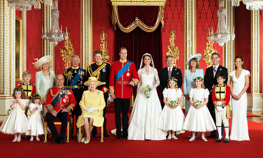 "The newlyweds and their wedding party pose for the official portait. Front row, left to right: <strong>Grace van Cutsem</strong>, <strong>Eliza Lopes</strong>, <a href=""https://ca.hellomagazine.com/tags/0/prince-philip""><strong>Prince Philip Duke of Edinburgh</strong></a>, <strong>Queen Elizabeth II</strong>, <strong>Margarita Armstrong-Jones</strong>, <strong>Louise Windsor</strong>, <strong>William Lowther-Pinkerton</strong>. Back row, left to right: <strong>Tom Pettifer</strong>, <a href=""https://ca.hellomagazine.com/tags/0/duchess-of-cornwall""><strong>Camilla Duchess of Cornwall</strong></a>, <a href=""https://ca.hellomagazine.com/tags/0/prince-charles""><strong>Prince Charles</a></strong>, <strong>Prince Harry</strong>, <strong>Michael Middleton</strong>, <strong>Carole Middleton</strong>, <strong><a href=""https://ca.hellomagazine.com/tags/0/james-middleton"">James Middleton</a></strong> and <strong>Pippa Middleton</strong>.