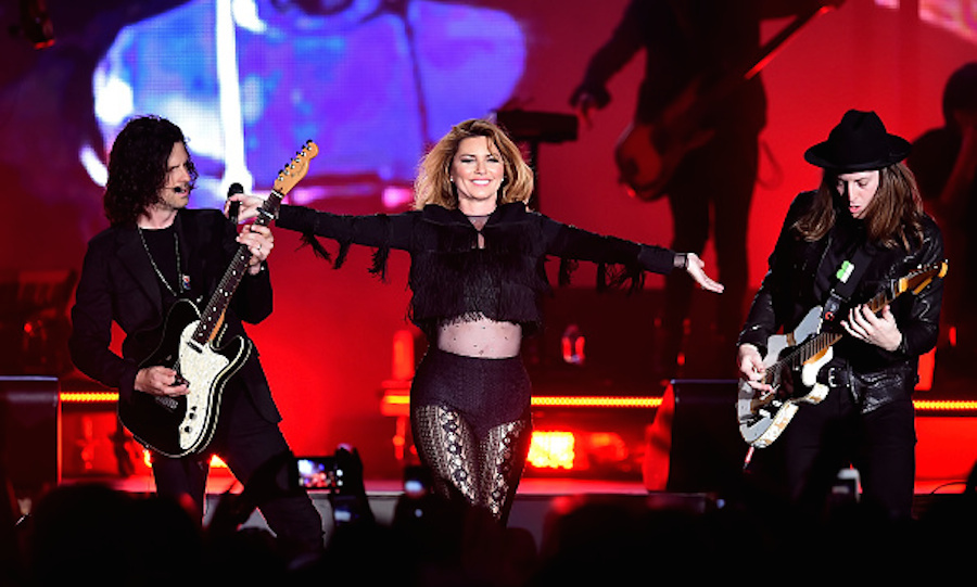 Shania returned to the stage for the first time since wrapping up her farewell tour in 2015. 