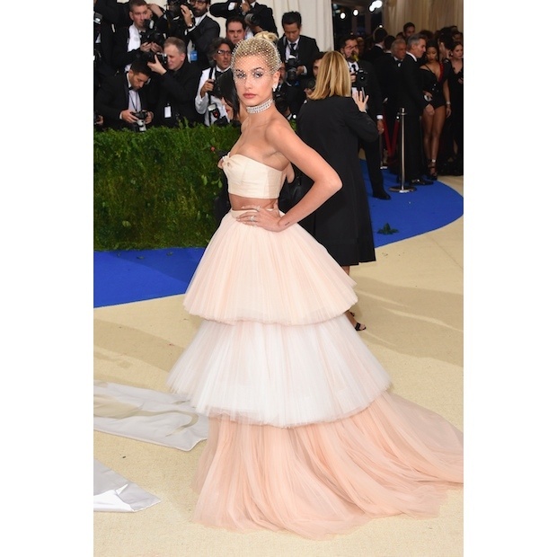 Hailey Baldwin Carolina Herrera