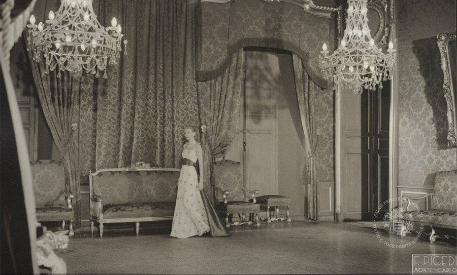 <p><strong>Prince's Palace of Monaco</strong></p><p>Before her wedding to Prince Rainier III in 1956, American actress Grace Kelly and her parents were invited to stay at the royal palace in Monaco. This beautiful shot, taken from the palace archives, shows the bride-to-be in the state appartments, while Rainier stayed at his villa in Cap-Ferrat ahead of the wedding.</p><p>&copy; Photo : Fausto PICEDI - Archives du Palais Princier</p>