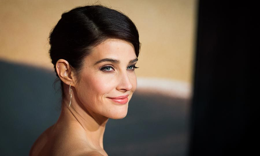 <h2>COBIE SMULDERS</h2>