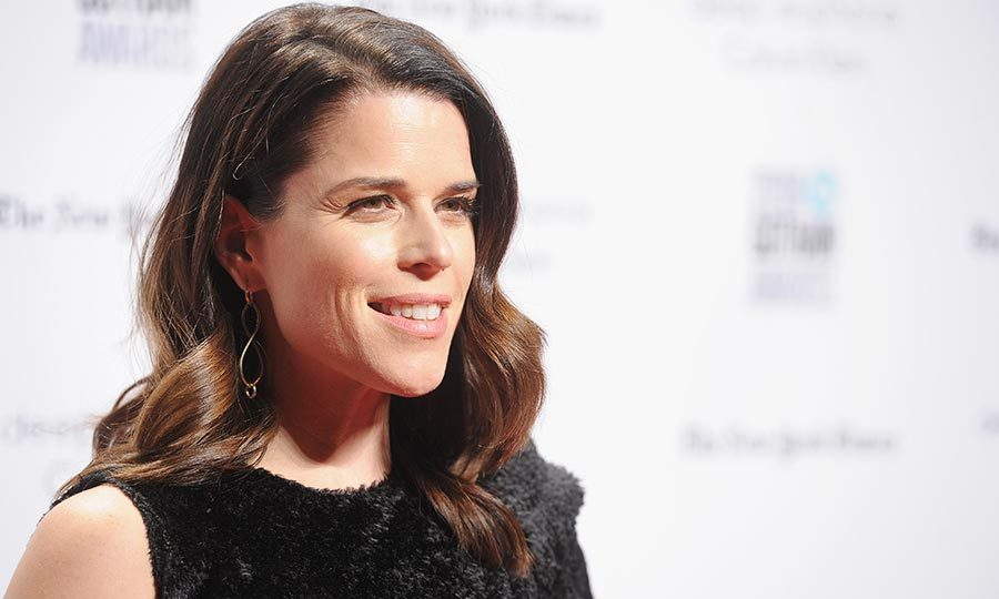 <h2>NEVE CAMPBELL</h2>