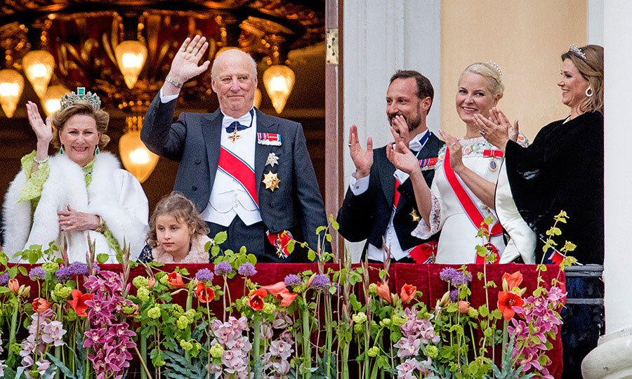 "On day one of the celebration, the King and Queen were joined by their family on the balcony ahead of the banquet dinner held at the palace. <p>The monarch's son Prince Haakon and daughter-in-law Princess Mette-Marit sang along with well-wishers and their relatives to the country's birthday song, ""Hurra for Deg."" </p>