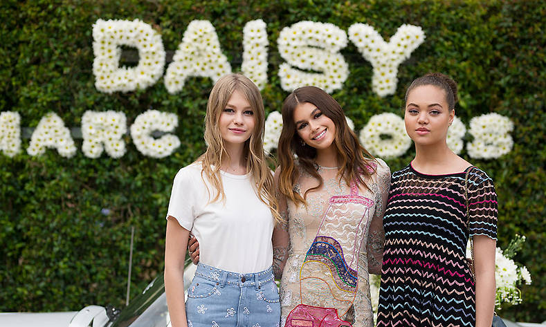 The 15-year-old posed with Dilia Martins and Sofia Mechetner