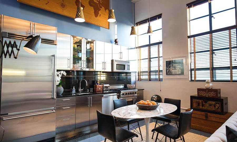 Although compact, the kitchen offers plenty of storage space and cupboards, and has all the amenities you could possibly want, such as a fitted oven and microwave plus a huge American-style fridge freezer. The entire kitchen is fitted in a modern aluminium silver design, and features original 1958 Hollywood Boulevard Walk of Fame street lights that were acquired and installed by Johnny – although sadly aren't part of the sale.