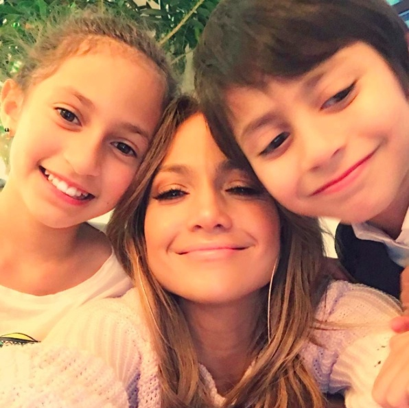 <h4>Jennifer Lopez</h4>
