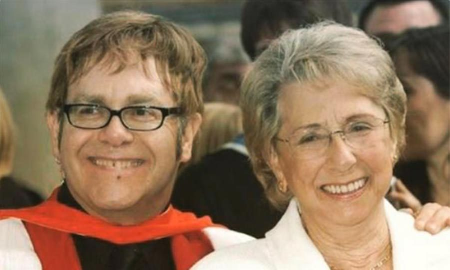 <h2>Elton John</h2>