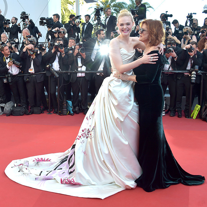 What a duo! Elle Fanning and Susan Sarandon shared a warm embrace on the red carpet at the premiere of <em>Ismael's Ghosts</em>.