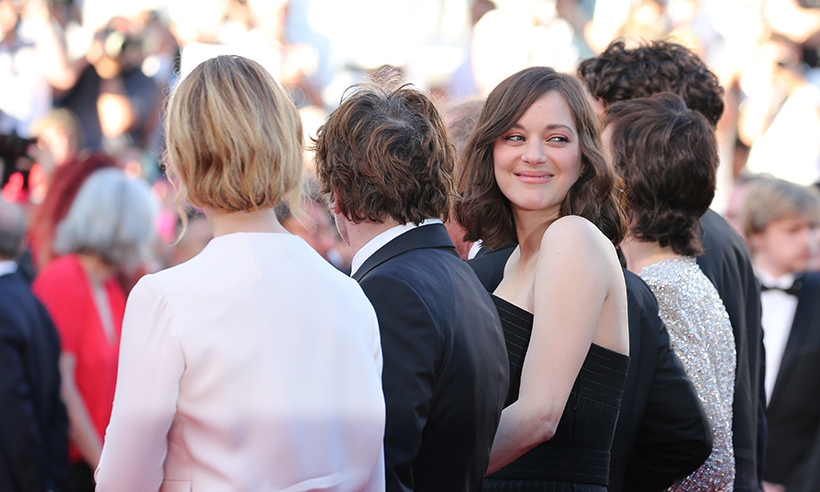 Marion Cotillard smiles for the cameras at the <em>Ismael's Ghosts</em> screening. 