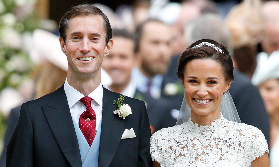 <h2>Accessorize with a mini tiara</h2>