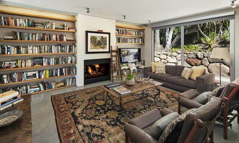 The property also has a separate living room complete with floor-to-ceiling book shelves and an open fireplace. This room could be ideal for Natalie to rehearse lines and research for her upcoming film projects, or the couple may decide to convert it into a playroom for their two children to enjoy.