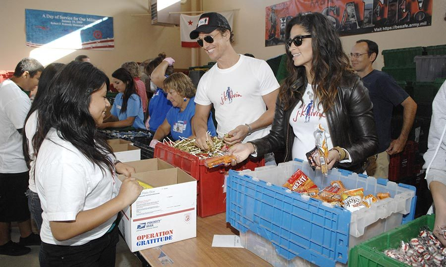 The charitable couple teamed up in 2009 to hand out foot at  Operation Gratitude's charity event in Los Angeles. 
