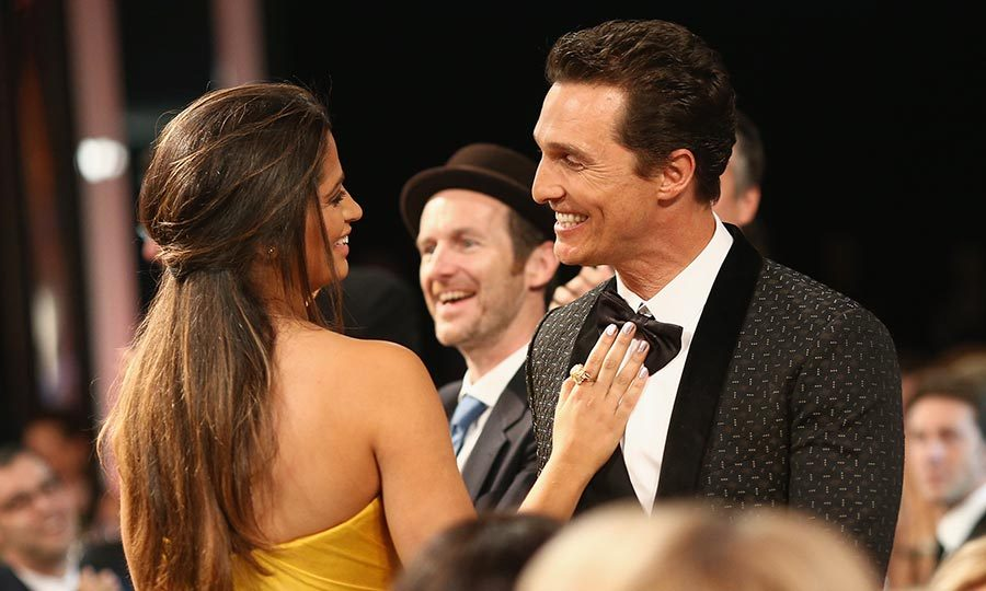 The award-winning actor and his Brazilian wife couldn't keep their eyes (or hands!) off of each other at the the 2014 SAG Awards. 