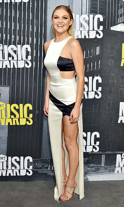Kelsea Ballerini chose this daring dress for the 2017 CMT Music Awards in Nashville.