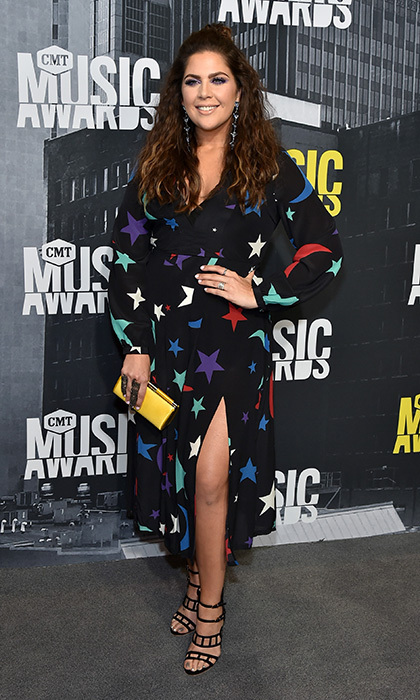 Hillary Scott of Lady Antebellum had us seeing stars at the 2017 CMT Music Awards. 