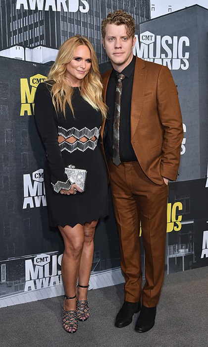 Miranda Lambert cozied up to her boyfriend Anderson East at the 2017 CMT Music Awards. 