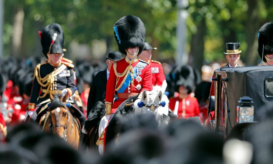 Thousands of excited spectators gathered to witness the rehearsal in London as William was joined by a total of 1,400 participants, including more than 200 military horses and 400 musicians.