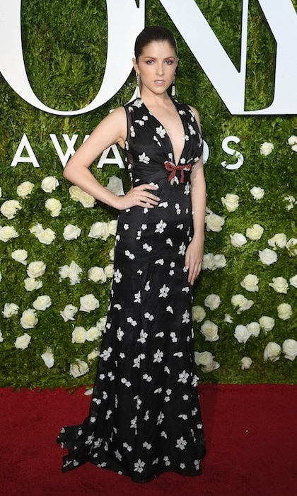 Anna Kendrick looked fun and flirty in floral Miu Miu at the 2017 Tony Awards in New York.